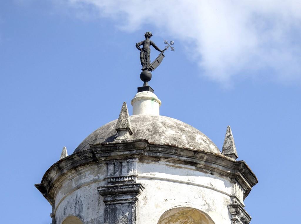 Soška La Giraldilla na věži hradu Castillo de la Real Fuerza