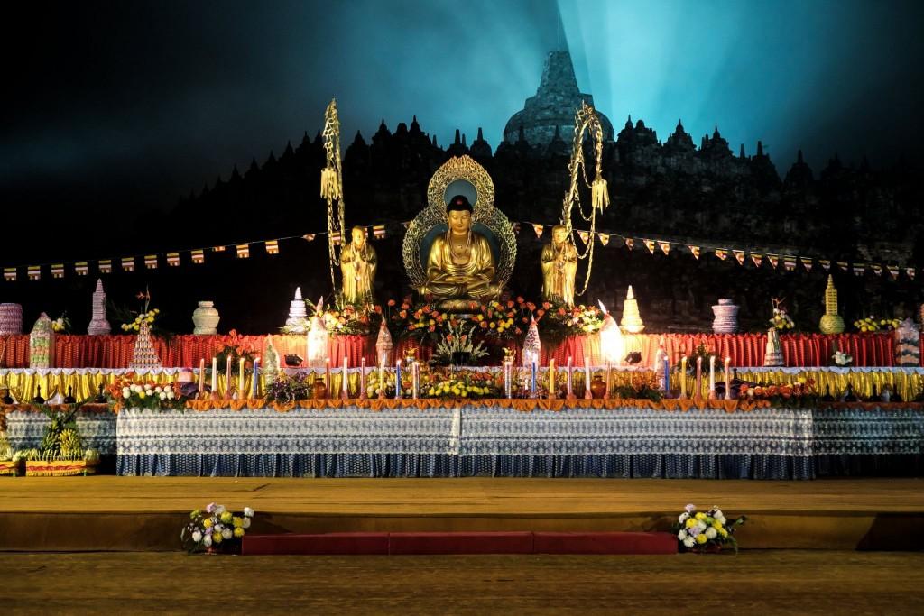Festival Vesak (Waisak) v chrámu Borobudur