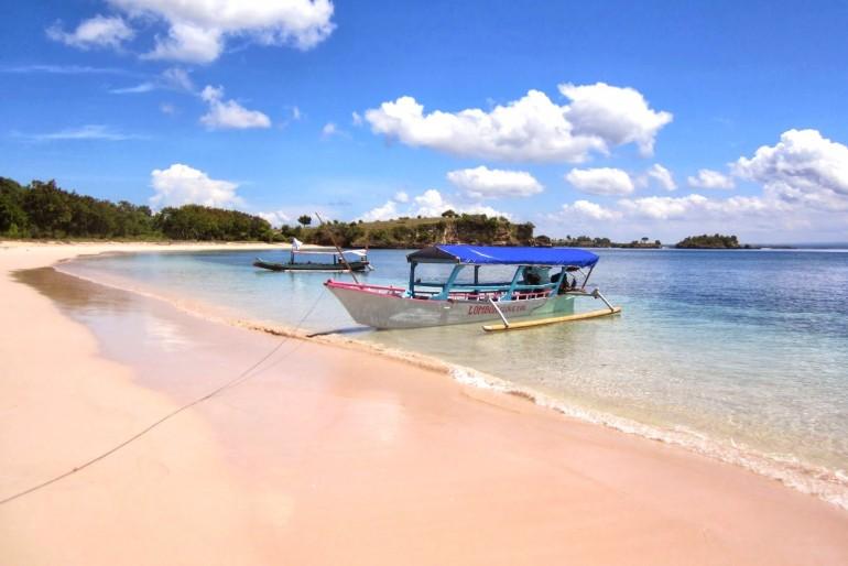 Pink Beach (Pantai Tangsi)