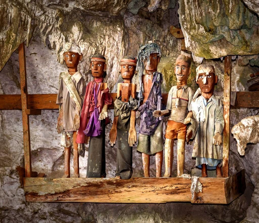 Pohřební sošky Tau -Tau