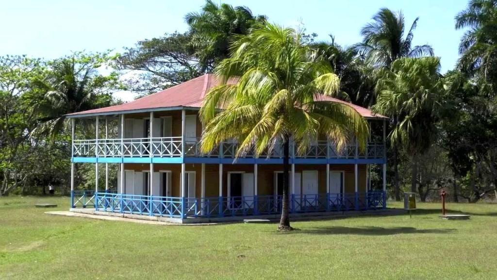 Usedlost Finca las Manacas (rodný dům Fidela Castra) v městečku Birán