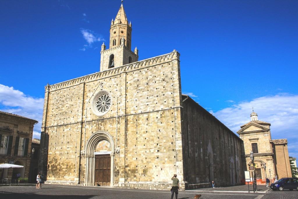 Katedrála Santa Maria Assunta v Atri