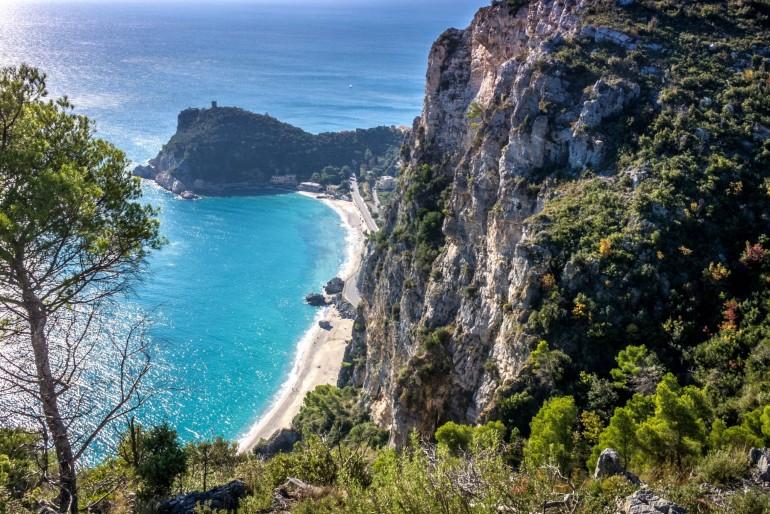 Pláž Baia dei Saraceni