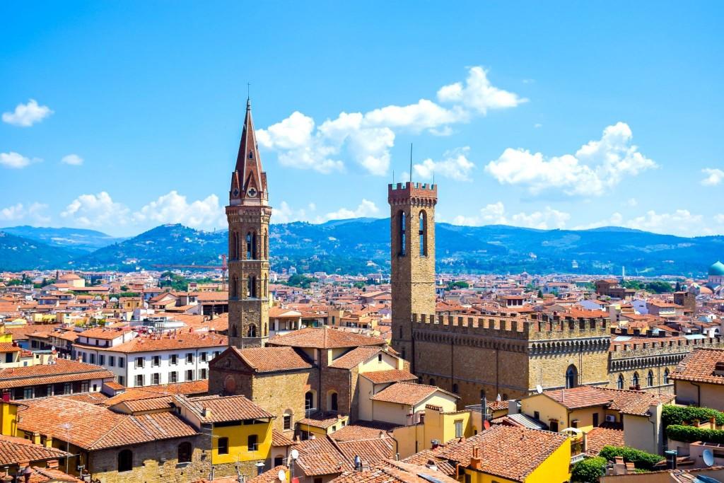 Věž paláce Bargello (vpravo)