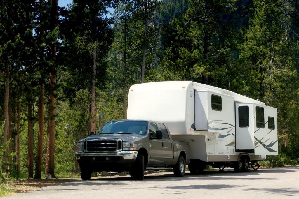 Přijezd do národního parku na trekování v horách USA