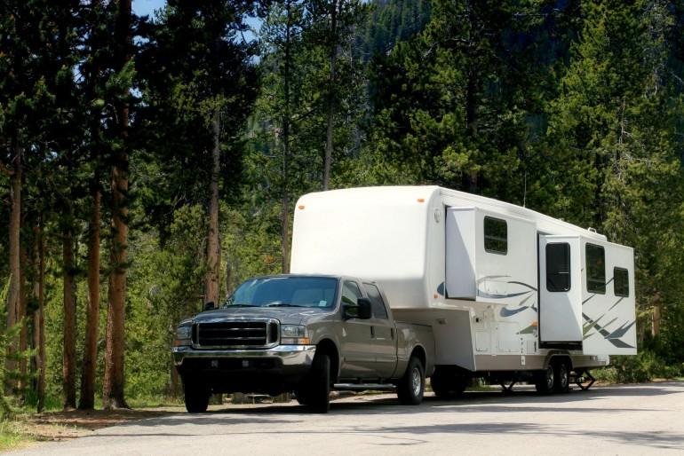 Výbava na trekování v horách USA