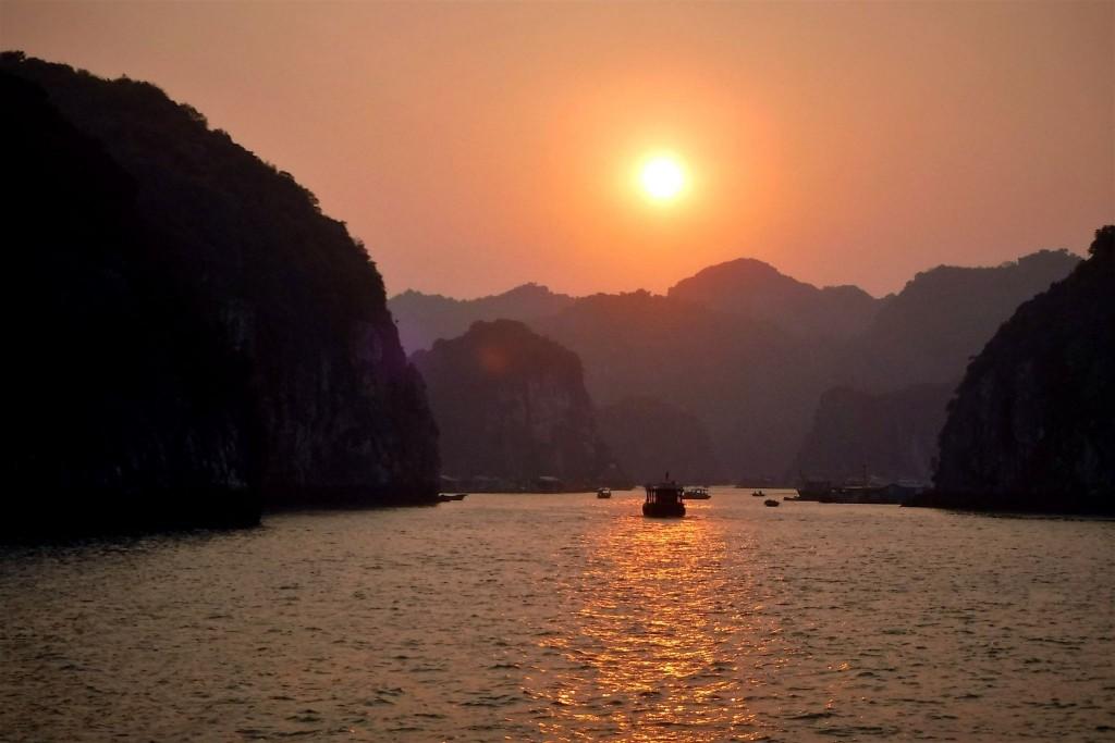 Cesta vedoucí do přístavu Ben Bao