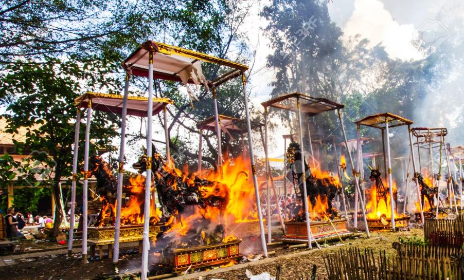 Ngaben - balijská kremace
