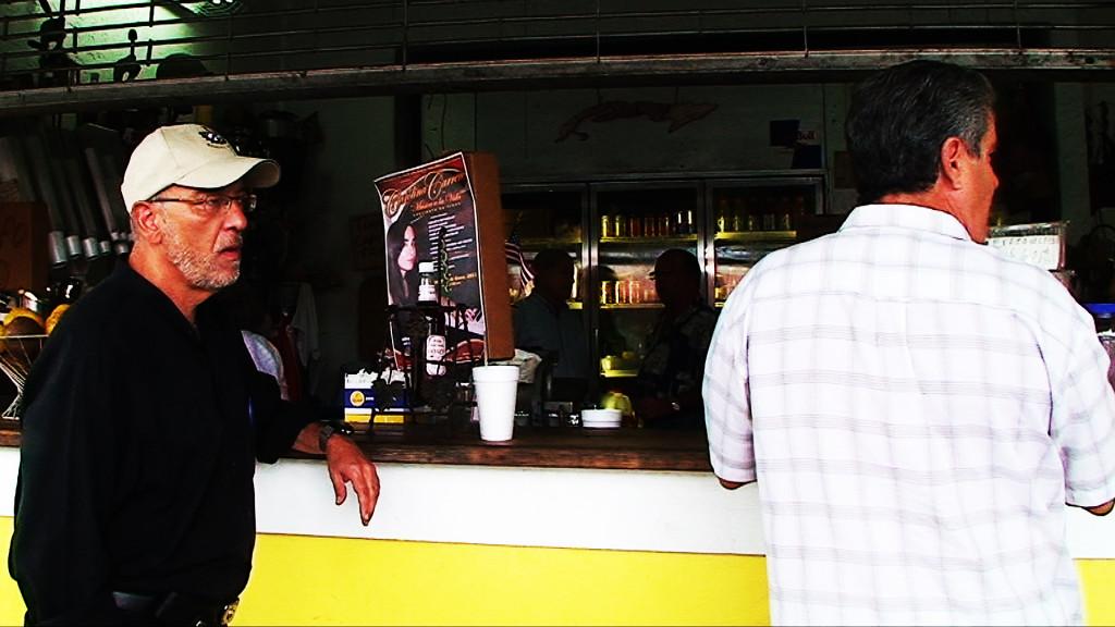 René Lopez, majitel optického centra, má kafé pauzu