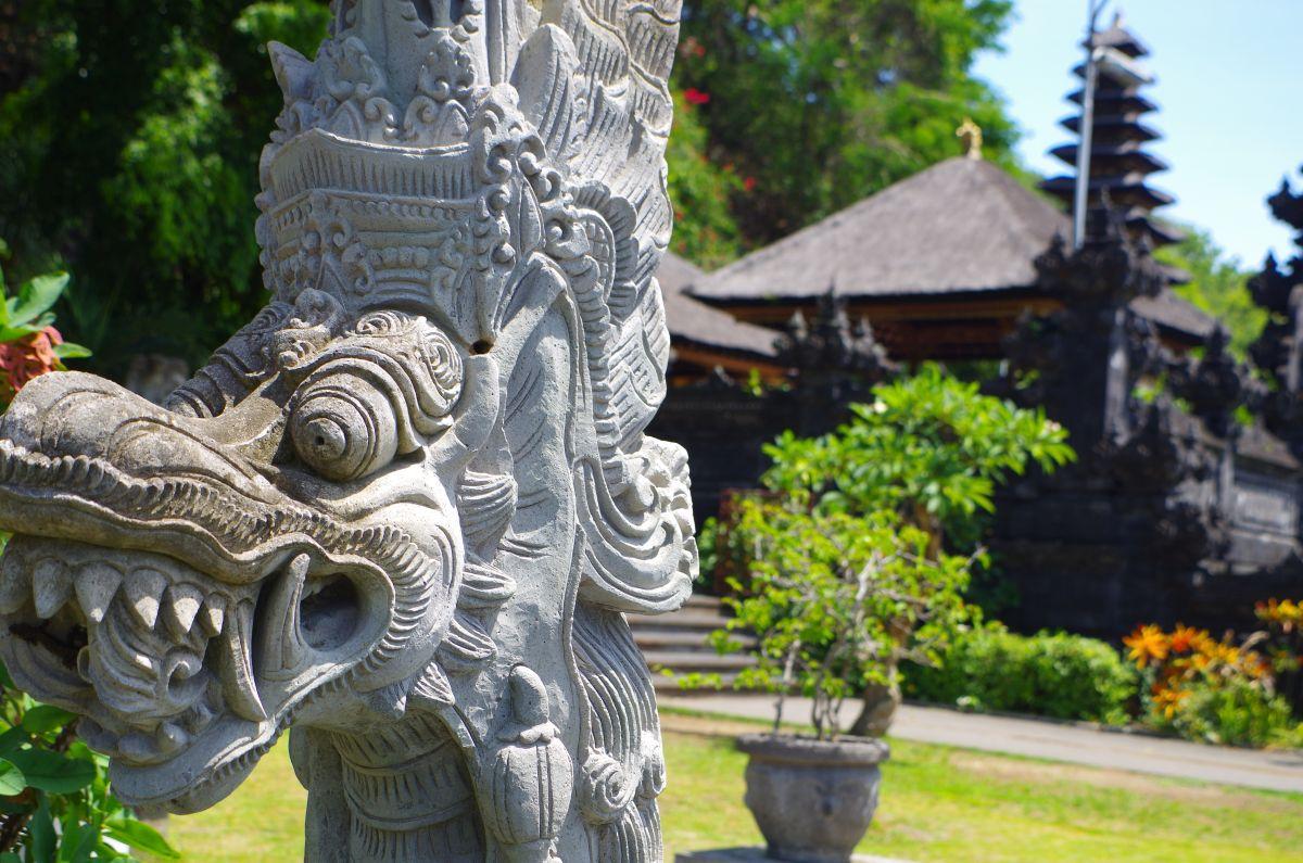 Typicke balijske sochy