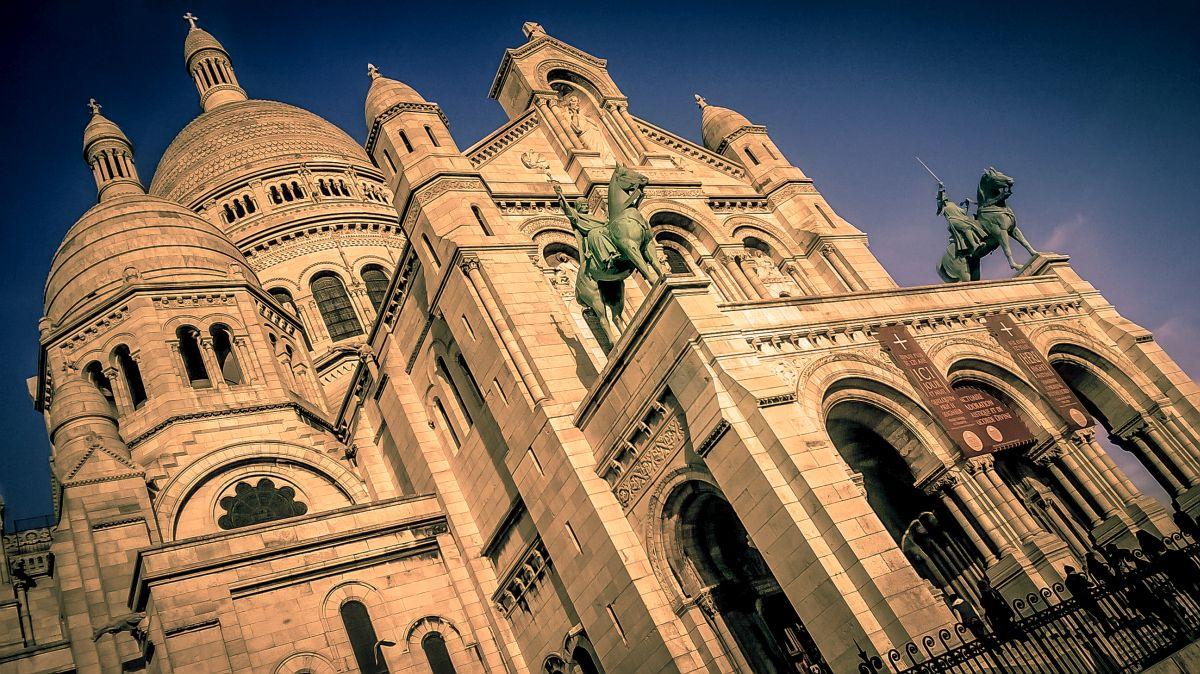 Vstupní portál do Sacre Coeur